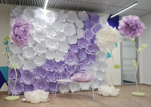 фотозона из бумажных цветов
