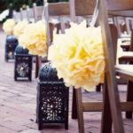Бумажные помпоны в свадебном декоре