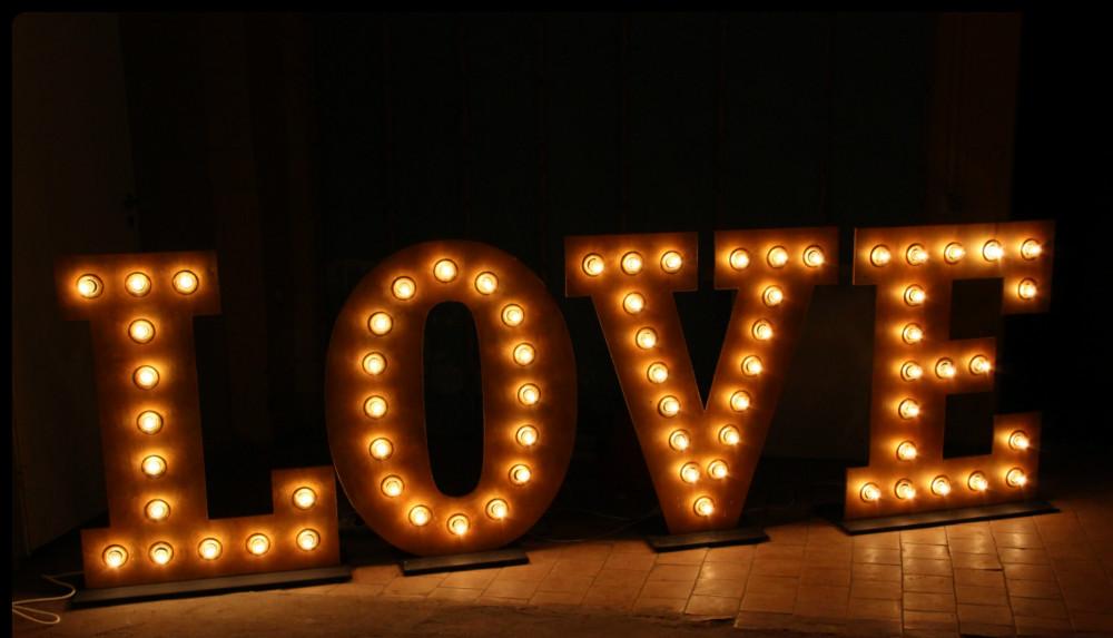 буквы love на свадьбу в аренду