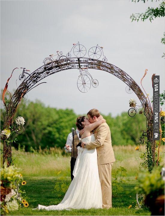 тематическая свадебная арка