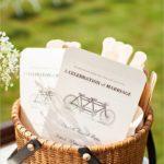 Велосипед в свадебном декоре.