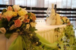 украшение свадьбы в ресторане Esca