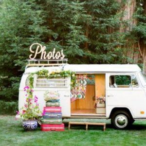 Один из самых оригинальный стилей для подготовки свадебного торжества — это ретро. Ведь выбор эпох практически не ограничивается временными рамками.