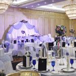 Украшение зала на свадьбу — цветами, тканью, воздушными шарами
