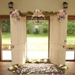 Двери в декоре свадьбы