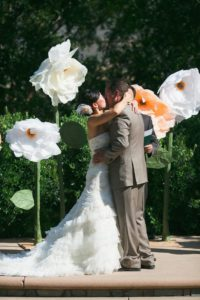 бумажные цветы на свадьбе