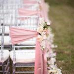 Идеи оформления стульев на свадьбе: просто, стильно, со вкусом.