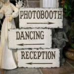 Свадебные указатели: важный элемент торжества