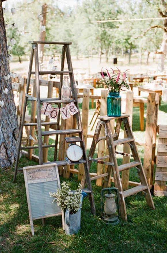 стремянка в свадебном декоре