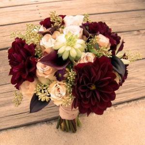 свадьба в бордовом цвете