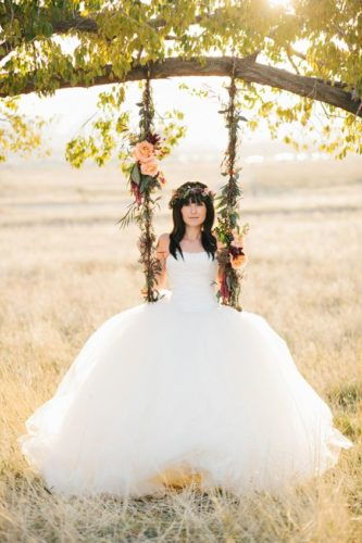 Качели для свадебной фотосессии